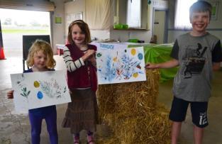 Beekids with artworks